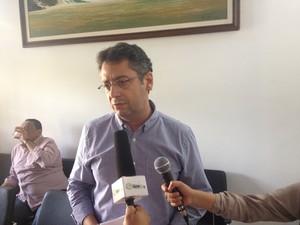 Prefeito Clécio Luís, presidente da associação de municípios (Foto: John Pacheco/G1)