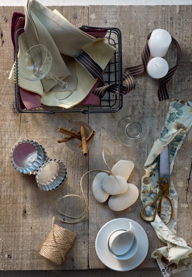 receber-bem-fitas-louça-branca-forminhas-ideias (Foto: Casa e Jardim)