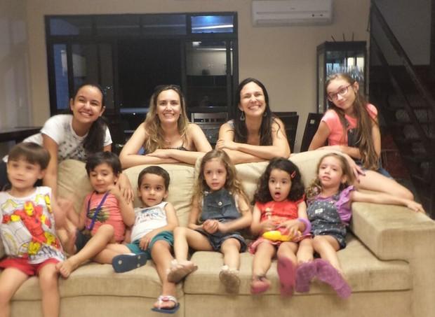 Amizade entre mães de trigêmeos (Foto: Arquivo Pessoal)