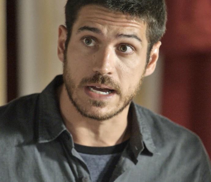 Dante faz perguntas para Gibson (Foto: TV Globo)