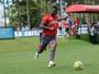 Com foco na parte física e finalização, Atlético-PR treina para pegar o Sport