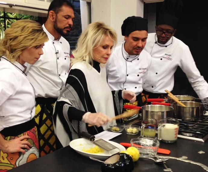 Ana Maria prepara Molho de Limão no workshop do Gshow (Foto: Melina Mantovani/Gshow)