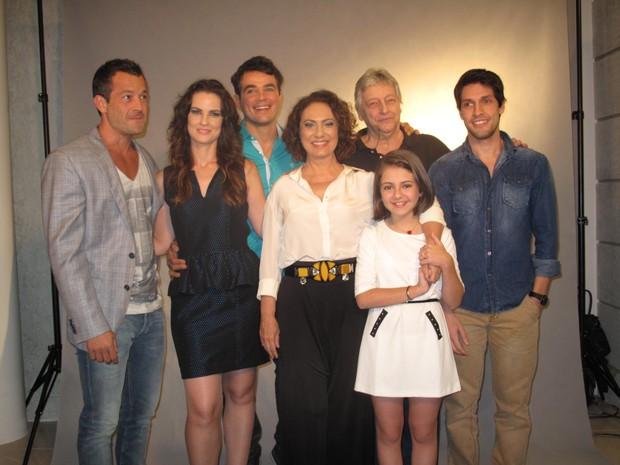 Elenco de 'Amor à Vida se reuniu nesta terça-feira (30) (Foto: Isabela Marinho/ G1)