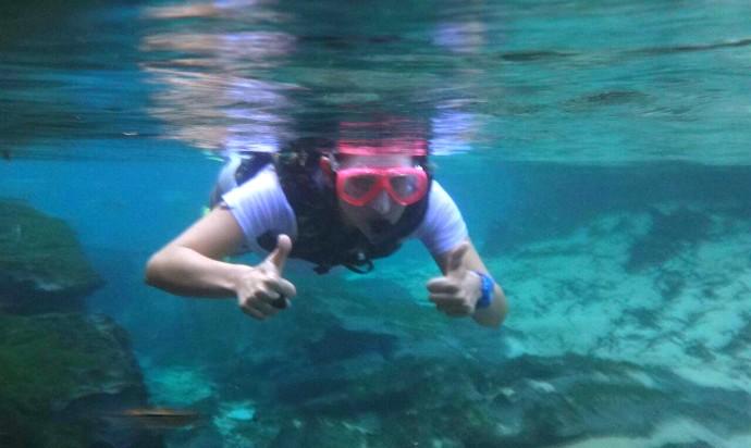 Um mergulho pelas águas calmas do Aquário Encantado, em Nobres (Foto: Reprodução/É Bem MT)