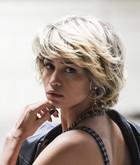 Camila (Nanda Costa)