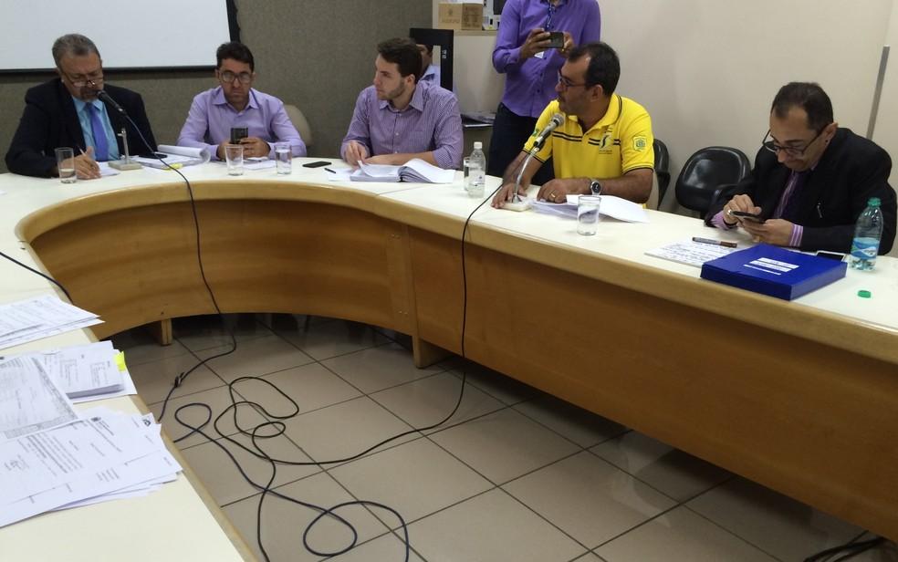Comissão investiga irregularidades em contratos da SMT, em Goiânia, Goiás (Foto: Vitor Santana/G1)