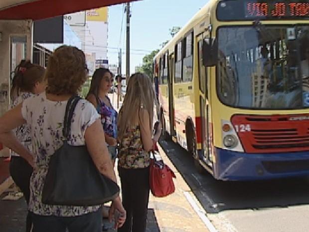 Com plano, ônibus terão mais agilidade em Rio Preto  (Foto: Reprodução/TV TEM)