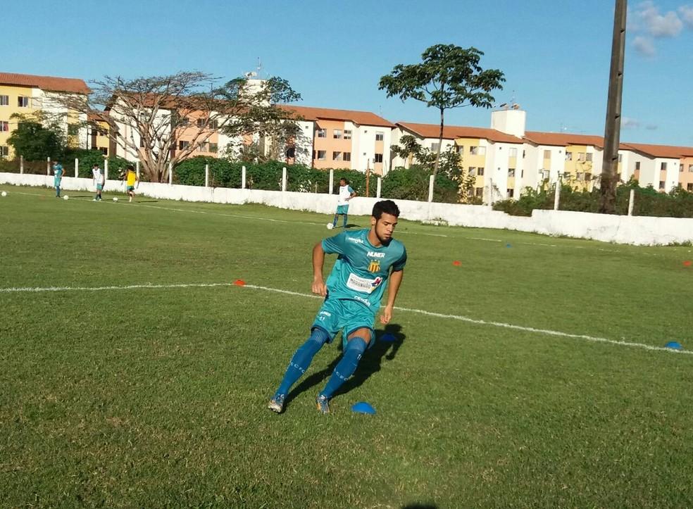 Jerffeson Recife já iniciou atividades no CT do clube (Foto: Sampaio / Divulgação)
