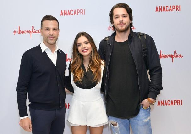 Alexandre Birman posa com Giovanna Lancellotti e Gian Luca Ewbank (Foto: Luciana Prezia e Rafael Cuzzato/Divulgação)