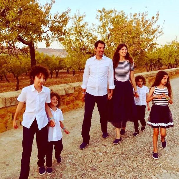 Michelle, Guy e os quatro filhos (Foto: Reprodução Instagram)