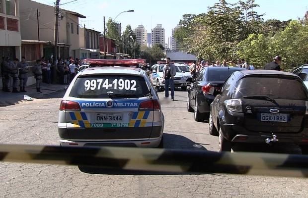 Segurança é morto a tiros ao reagir a assalto em Goiânia, Goiás (Foto: Reprodução/TV Anhanguera)