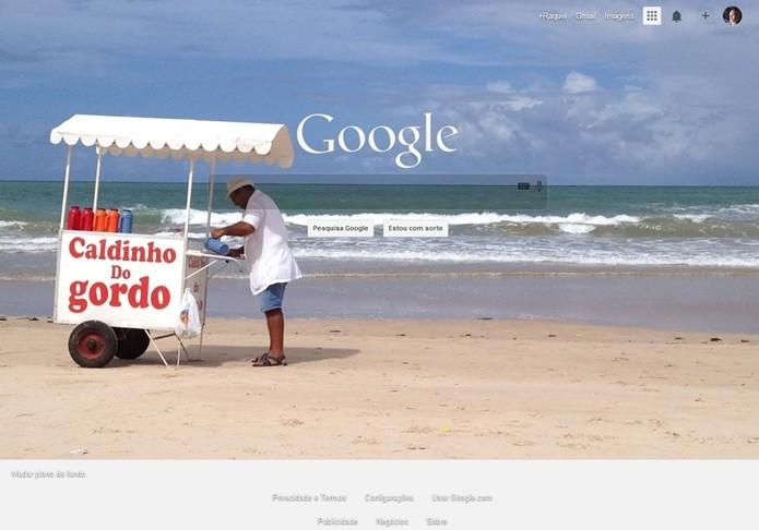 Página inicial do Google com plano de fundo alterado com extensão Custom Google Background, para Chrome (Foto: Reprodução/Raquel Freire)