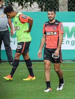 Dátolo treinou normalmente na Cidade do Galo (Foto: Bruno Cantini/Atlético-MG)
