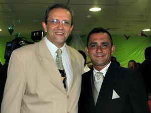 Diretor do hospital, Edson Andrade, foi o padrinho do noivo (Foto: Romulo de Sousa/G1 AM)