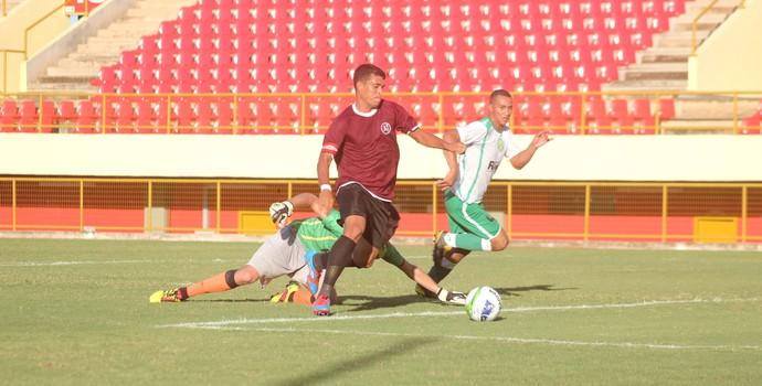 Ailton, atacante do Juventus-AC (Foto: João Paulo Maia)