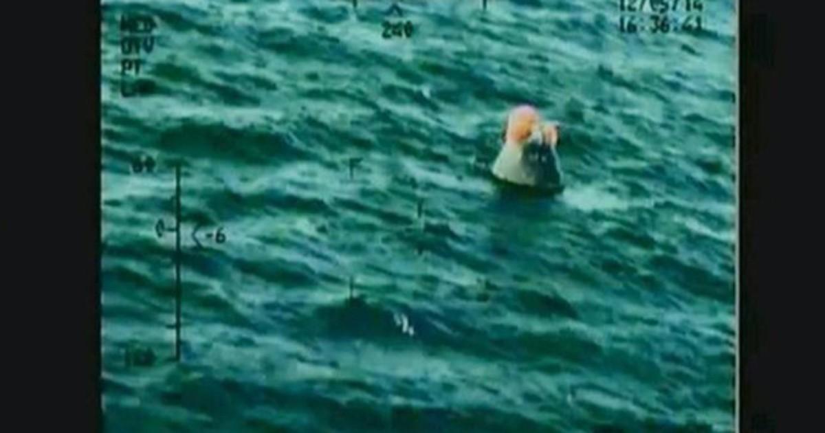 Cápsula Orion pousa no Oceano Pacífico após missão bem sucedida