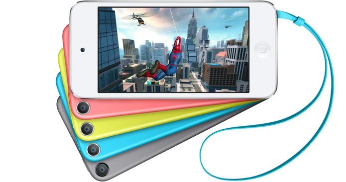 iPod Touch oferece tela de 4 polegadas sensível ao toque e iOS 8 (Foto: Divulgação/Apple)
