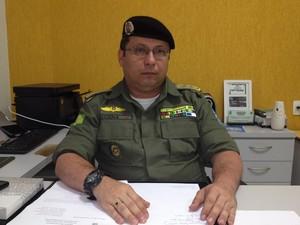 Major Adriano Lucena fala sobre o caso (Foto: Gilcilene Araújo/G1)