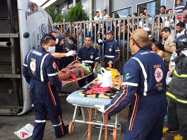 Corpo de Bombeiros não confirmou número de feridos (Foto: Henrique Dovalle/G1)