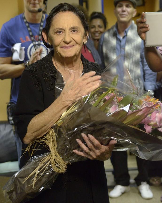 Em 2012, a atriz comemorou seu aniversário nos bastidores de 'Gabriela' (Foto: Raphael Dias/Globo)