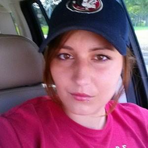 Mantida em cativeiro com os três filhos, a norte-americana Cheryl Treadway usa aplicativo da Pizza Hut para pedir ajuda. (Foto: Reprodução/Facebook/Cheryl Treadway)