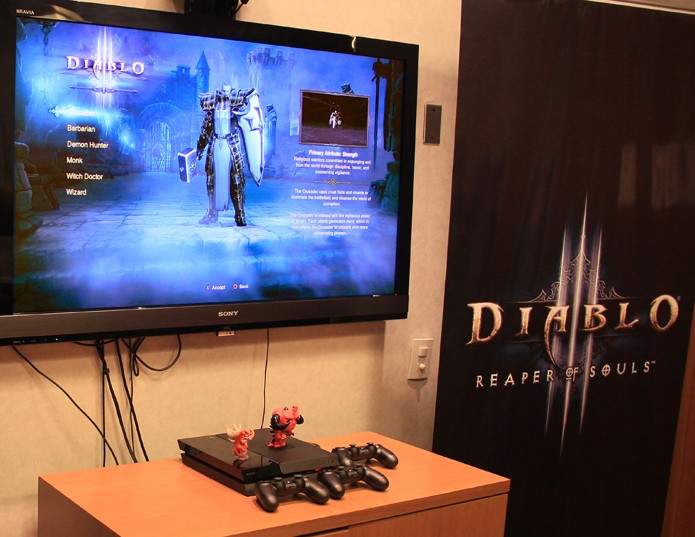 No console, Diablo III oferece a possibilidade de até quatro jogadores dividirem a mesma tela (Foto: Renato Bazan/TechTudo) (Foto: No console, Diablo III oferece a possibilidade de até quatro jogadores dividirem a mesma tela (Foto: Renato Bazan/TechTudo))