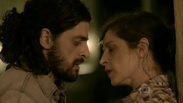Julio Machado com Drica Moraes na novela Império (Foto: Reprodução/Globo)
