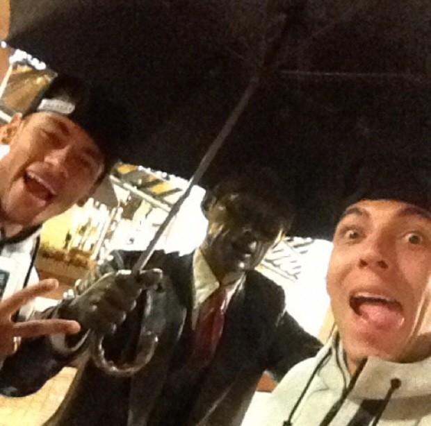 Neymar e amigo curtindo as férias (Foto: Reprodução / Instagram)