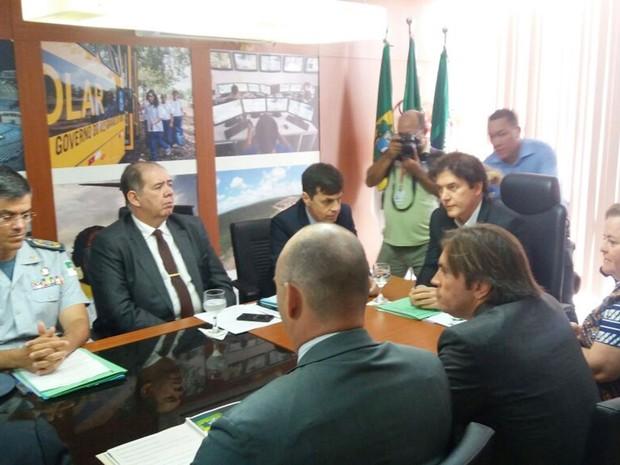 Governador Robinson Faria se reuniu com a cúpula da segurança pública para tratar sobre as reivindicações dos PMs e bombeiros do estado (Foto: Fred Carvalho/G1)
