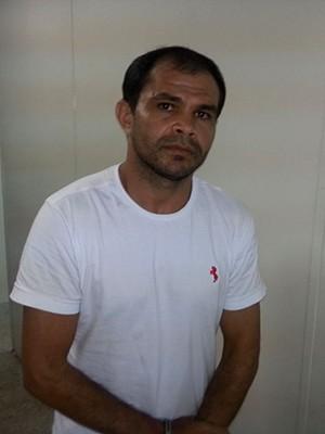 Edílson Genésio da Silva aplicava golpes em políticos e empresários de dentro da prisão (Foto: Kléber Teixeira/Inter TV Cabugi)