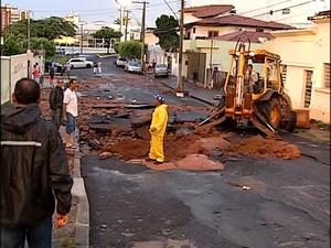 Estragos Araguari, MG (Foto: TV Integração/ Reprodução)