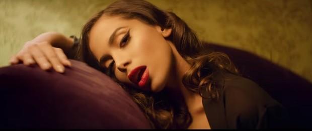Anitta no clipe de 'Downtown' (Foto: Reprodução/Youtube)