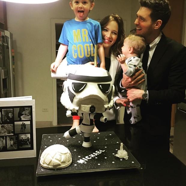 Michael Bublé com a família (Foto: Reprodução/Instagram)