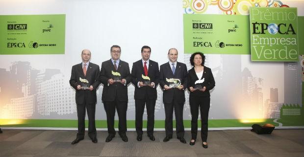 Os grandes vencedores do Prêmio ÉPOCA Empresa Verde (Foto: Rogério Cassimiro/ÉPOCA)