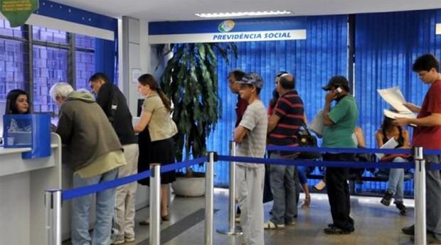 Aposentados que voltam a trabalhar querem o direito de pedir a revisão do benefício (Foto: Agência Brasil)