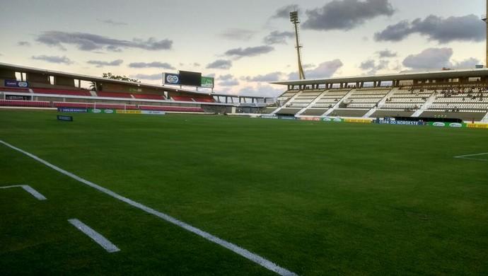 Estádio Rei Pelé, em Maceió (Foto: Denison Roma / GloboEsporte.com)
