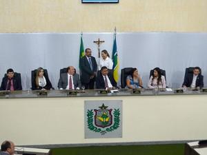 Mesa Diretora foi empossada nesta segunda-feira, na Assembleia do Amapá (Foto: Abinoan Santiago/G1)