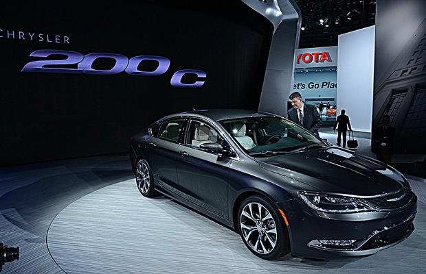 Chrysler 200 no Salão de Detroit 2014 (Foto: Newspress)