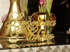 Casamento de Léo Áquilla tem decoração com tema de rei e rainha