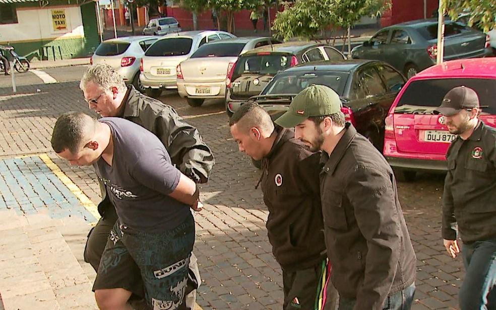 Operação Clássicos prendeu 14 na região de Ribeirão Preto nesta quarta-feira (10) (Foto: Valdinei Malaguti/EPTV)