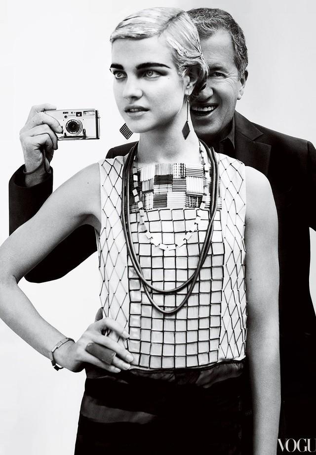 Mario Testino com Natalia Vodianova para a Vogue US (Foto: Reprodução/Vogue)