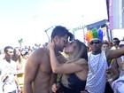 Nicole Bahls beija muito em Salvador: 'Carnaval acompanhada é melhor'