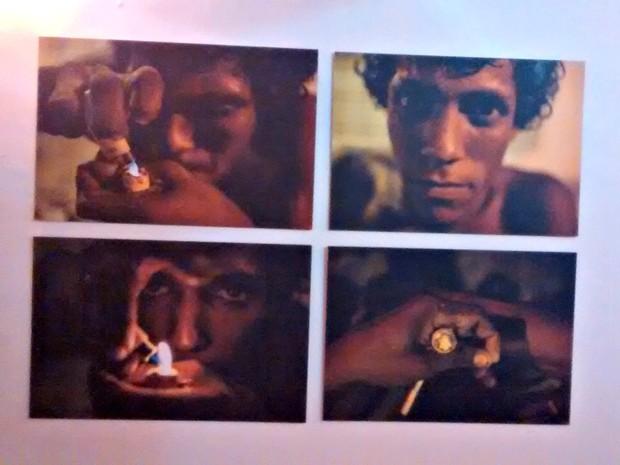 Usuários de drogas foram fotografados no período da noite (Foto: Carlos Palmeira/ G1)