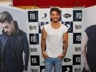 Sensual? Lucas Lucco usa cueca de bolinhas em show em Salvador