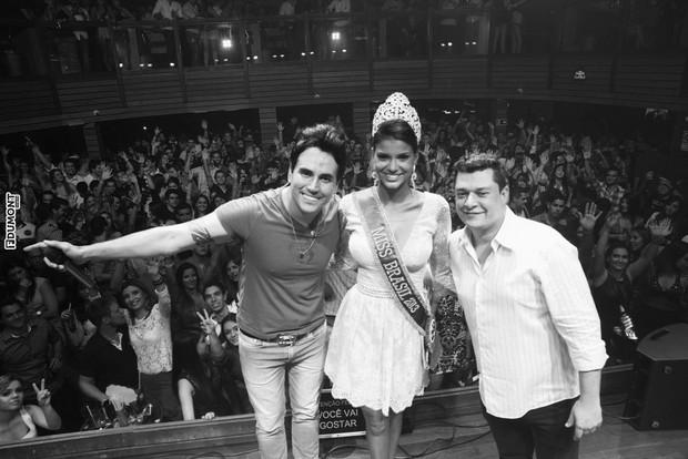 Danilo Mendes, Jakelyne de Oliveira e Alexandre Pampoline (Foto: Francisco Dumont / FdumontNews / Divulgação)