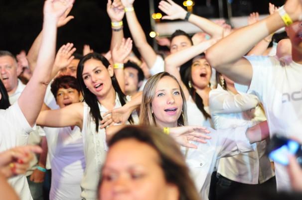 Público participa da gravação da mensagem de fim de ano (Foto: Samara Nogueira / TV Fronteira)