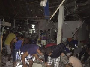 Moradores dentro do Banco do Brasil em Ipubi (Foto: Álison Édypo Alencar da Silva/Arquivo pessoal)