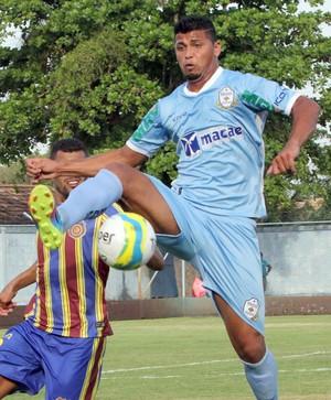 Romário Macaé x Madureira (Foto: Tiago Ferreira)