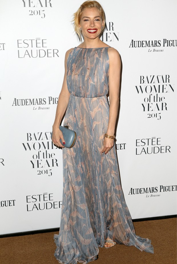 Sienna Miller no Women of the Year Awards 2015 (Foto: Getty Images)