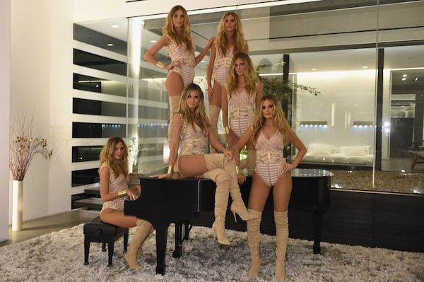 A modelo Heidi Klum e seus cinco 'clones' no Halloween (Foto: Getty Images)